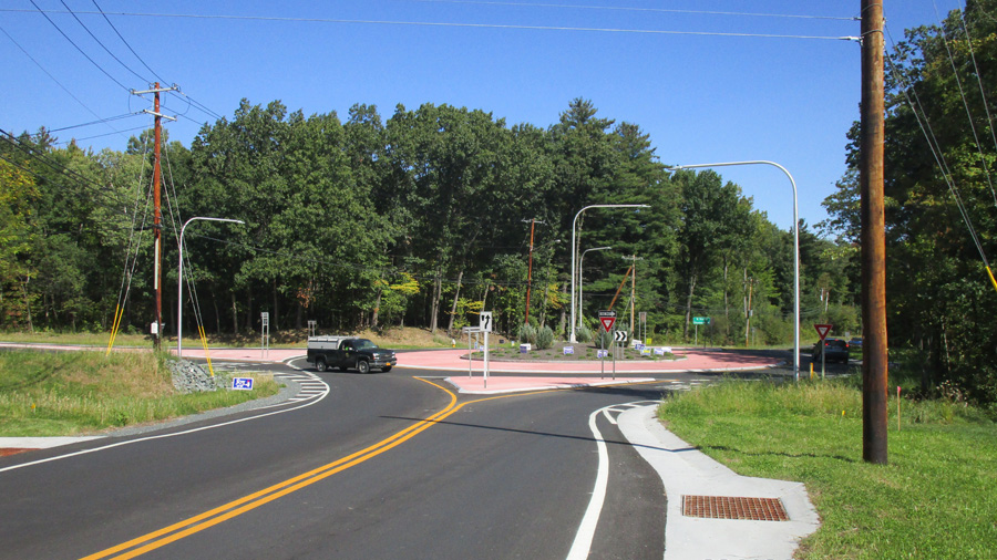 River and Rosendale Intersection